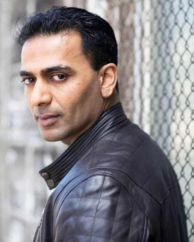 ساچین جوآب از سال 2011 تا 2013 در نقش همسایه Ajay Kapoor در Neighbours بازی کرد.