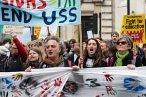 Una protesta en el centro de Londres contra los cambios propuestos a las pensiones de los profesores.