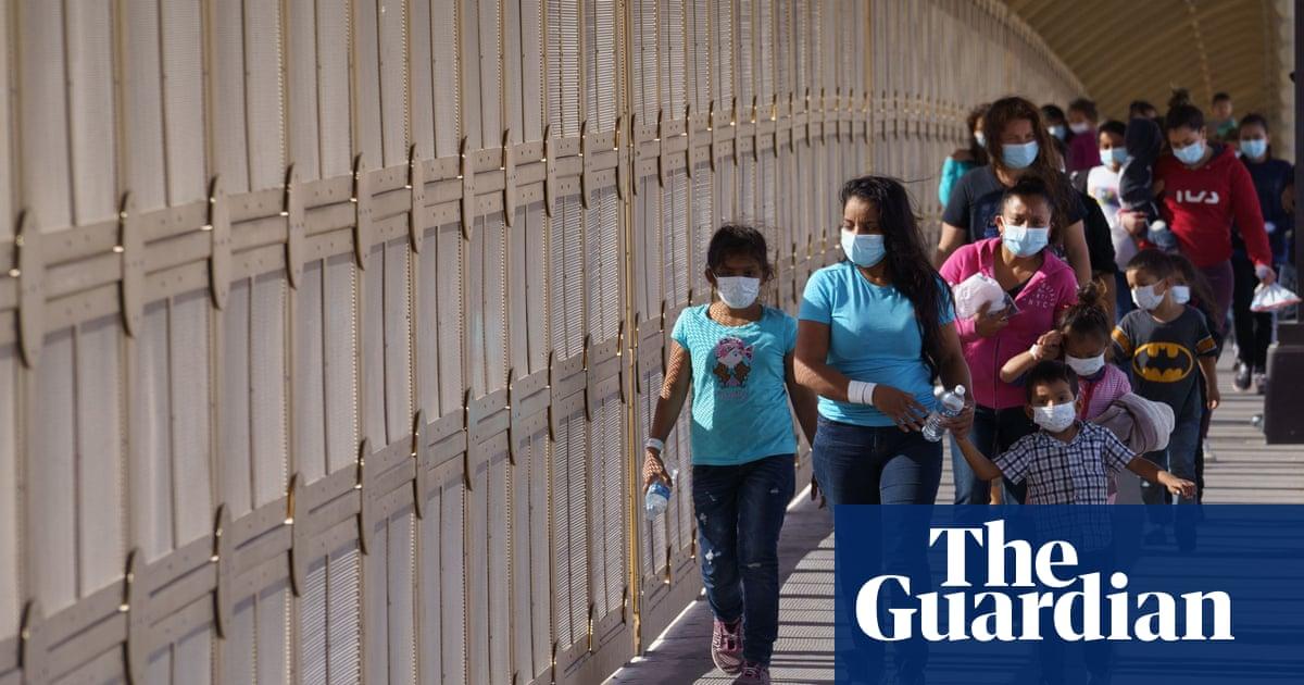 US immigration: humanitarian groups tasked with picking asylum seekers