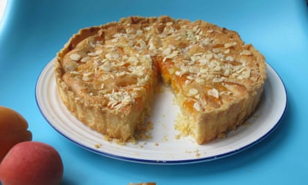 Felicity Cloake's perfect apricot tart, with almonds.