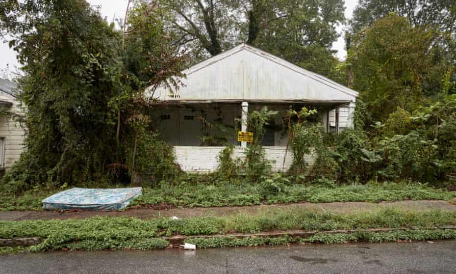 Condemned housing in the Pittsburgh neighborhood, Atlanta, GA