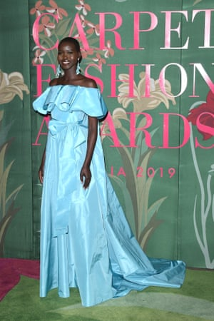 Adut Akech, who co-hosted the event, wore Valentino, accessorising with naturally sourced Chopard diamonds. The gown was created using Global Organic Textile Standard (Gots) certified silk, produced by a historical Italian supplier. All components were tested to verify the absence of dangerous chemicals.