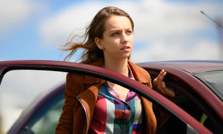Molly Windsor as Emma in Traces.