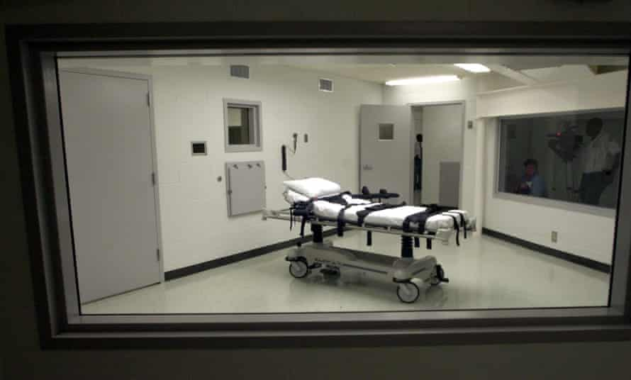'It's hard to fathom what the Arizona department was thinking in including this nonsensical provision as part of its execution protocol,' said one lethal injection expert.