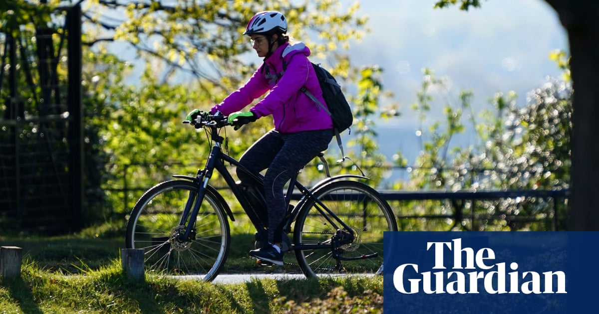 Get on your e-bike: scheme may let people try them out in England