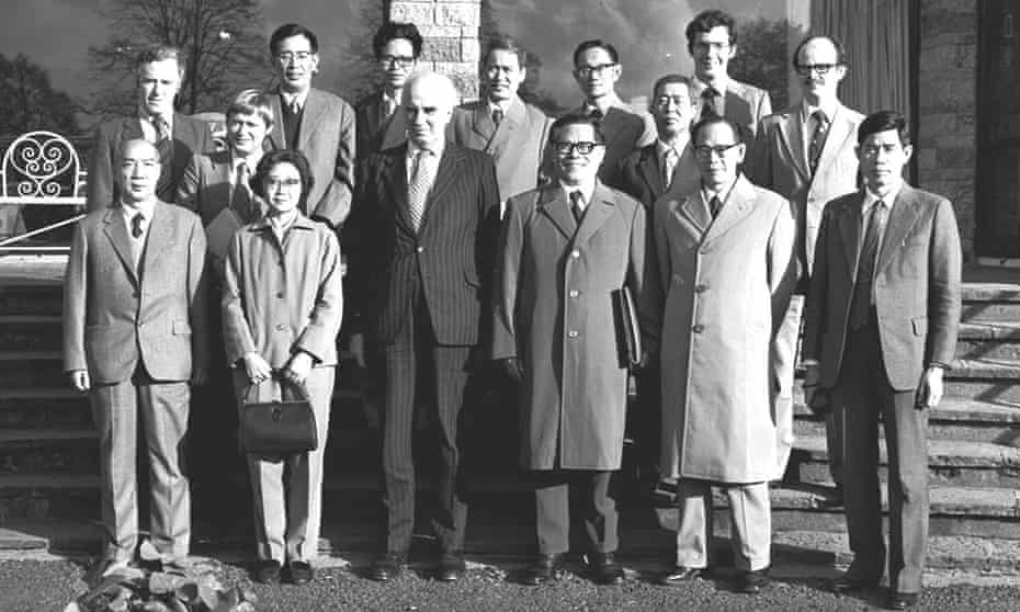 Jiang Zemin (front row, third from right) pictured on his visit to Shannon 1980.