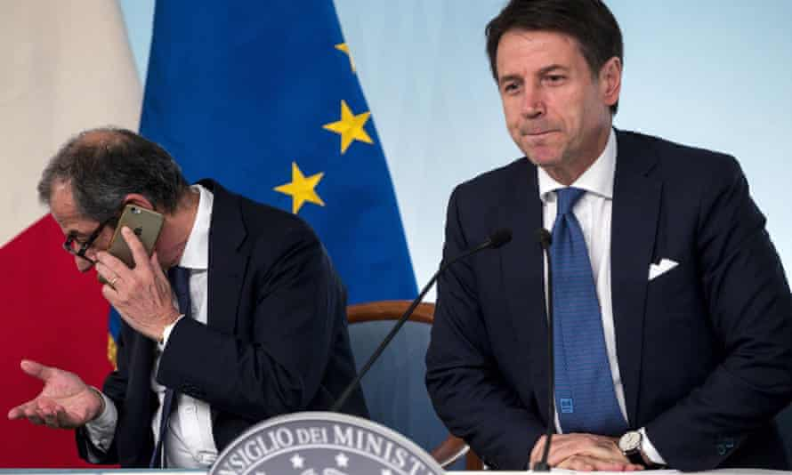 The Italian finance minister, Giovanni Tria (left) with PM Giuseppe Conte on Wednesday.