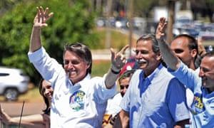 Jair Bolsonaro waves to the crowd