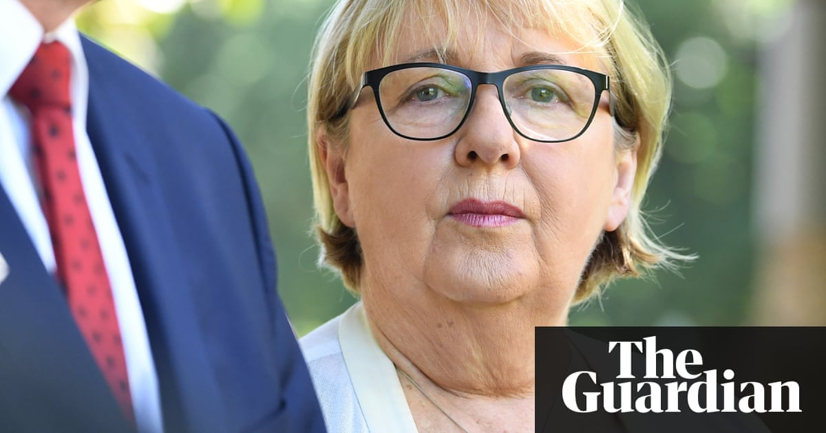 Outsourcing NDIS contact centres to Serco 'an accident waiting to happen'