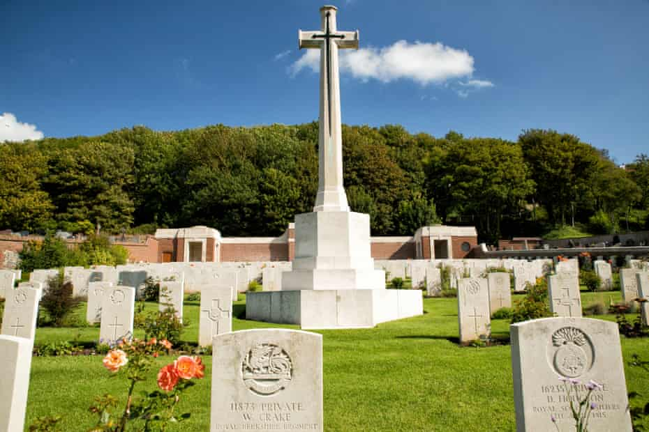 Commonwealth war graves at Le Treport