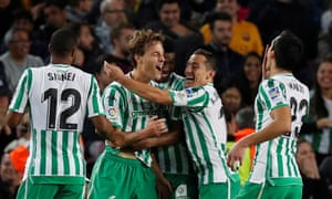 Real Betis celebrate Sergio Canales's goal against Barcelona.