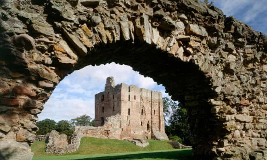 Ruins seen through ruined arch