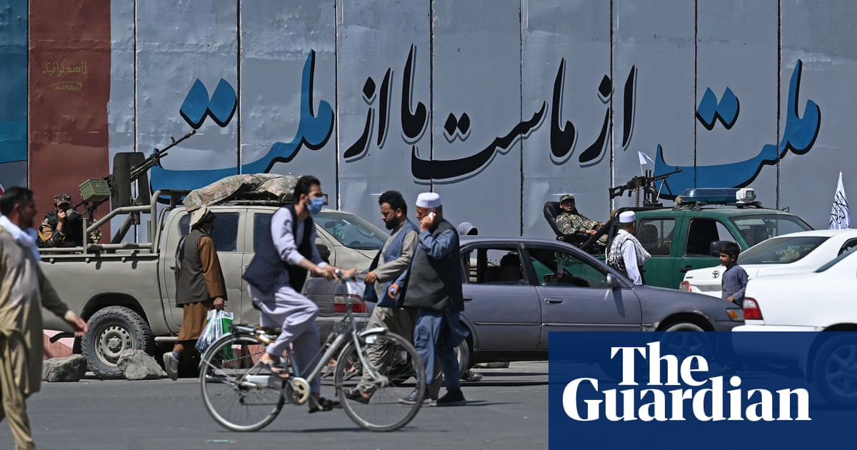 Afghans at risk of near-universal poverty, UN report warns