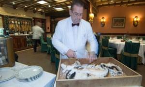 Waiter in Restaurante El Faro