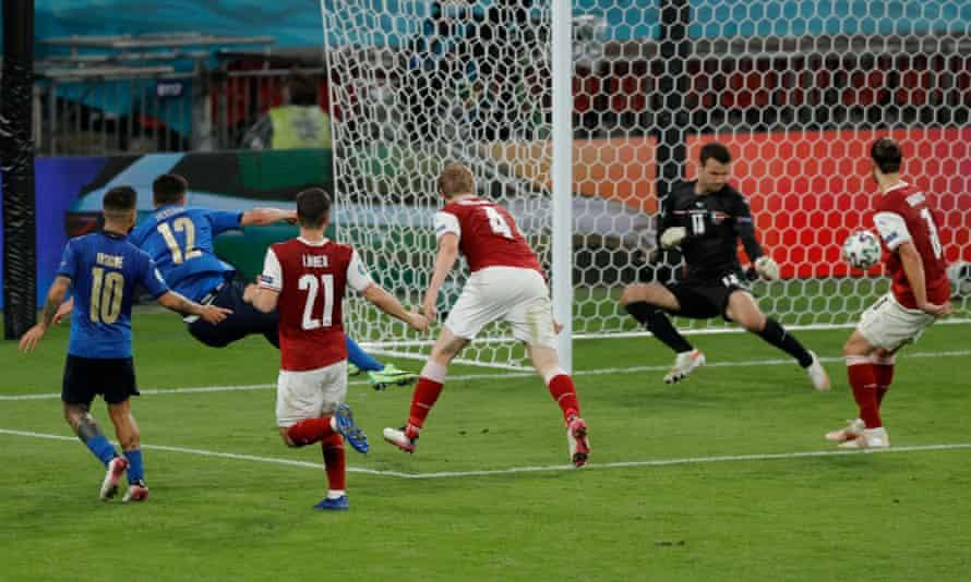 Matteo Pessina scores Italy's second