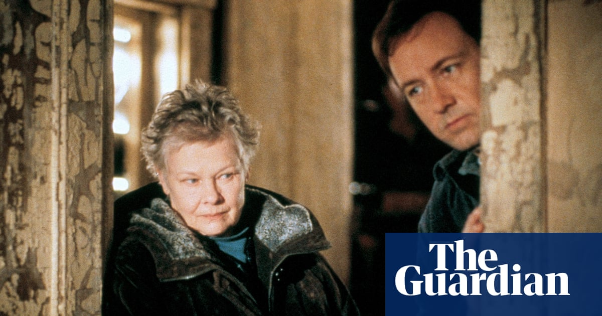 Judi Dench defends Kevin Spacey, criticising his 'extrusion from history'
