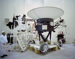 Engineers seen working on Voyager 2 on 23 March 1977