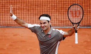 4a4eba84670ef9 Roger Federer makes winning return to French Open after four years away