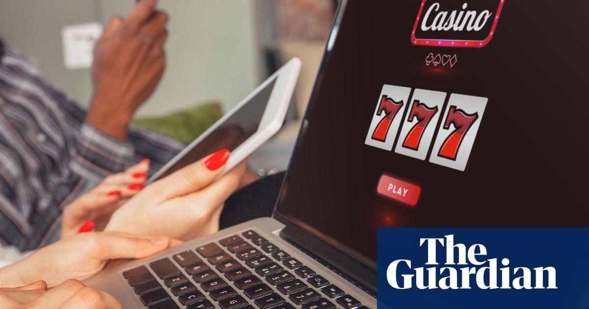 Online casinos targeting Australians risk million-dollar fines for slice of $65bn pie