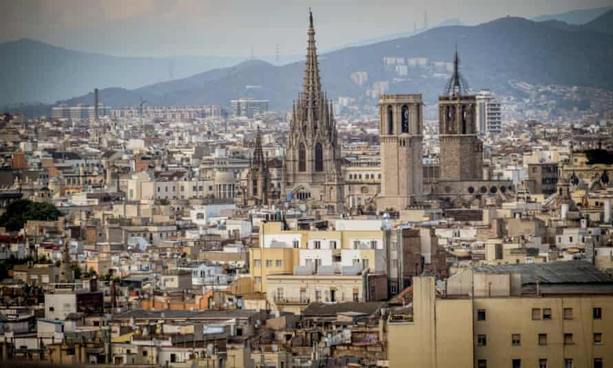 Airbnb's biggest hosts in Barcelona manage hundreds of apartments.