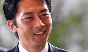 Shinjiro Koizumi arrives at Shinzo Abe's official residence in Tokyo