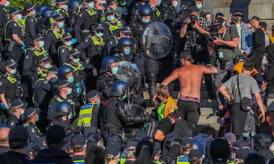 Riot police end standoff at Melbourne's Shrine of Remembrance on third day  of protests   Melbourne   The Guardian