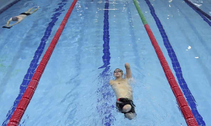 Disabled people swimming