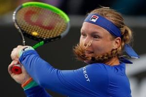 Australian Open 2020 Isner Beats Monteiro Hon Goes Through