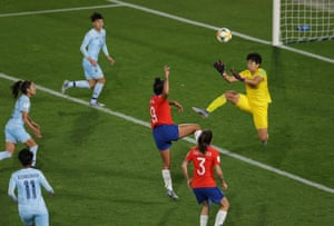 Thailand keeper Waraporn Boonsing fouls Maria Urrutia, which leads to Chile being awarded a penalty