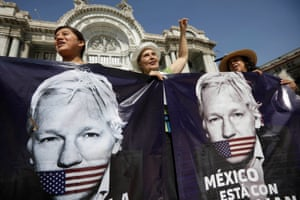 Supporters of WikiLeaks founder Julian Assange protest in Mexico City.
