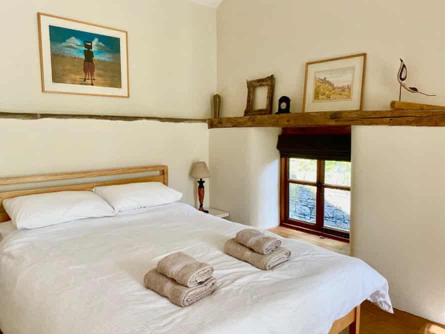 Dormitorio en Orchard Cottage, Rodd Estate, Sidney Nolan Trust, Reino Unido.
