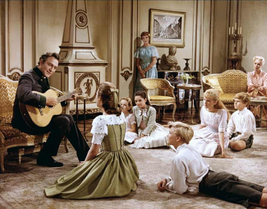 Captain Von Trapp (Christopher Plummer) and his family