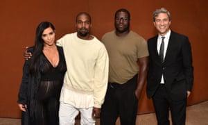 Kanye West makes an exhibition of himself at LA art ...