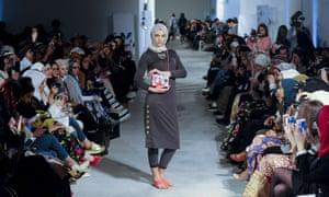 iiLa (London) London modest fashion week.