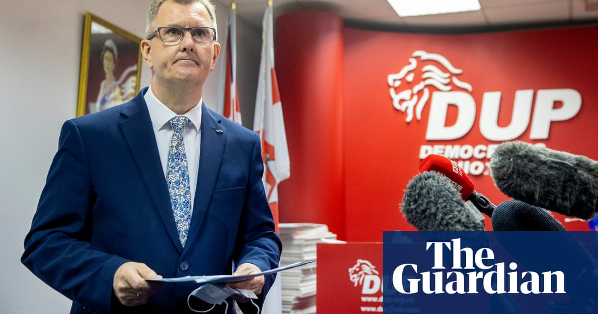 Sir Jeffrey Donaldson launches campaign to become DUP leader