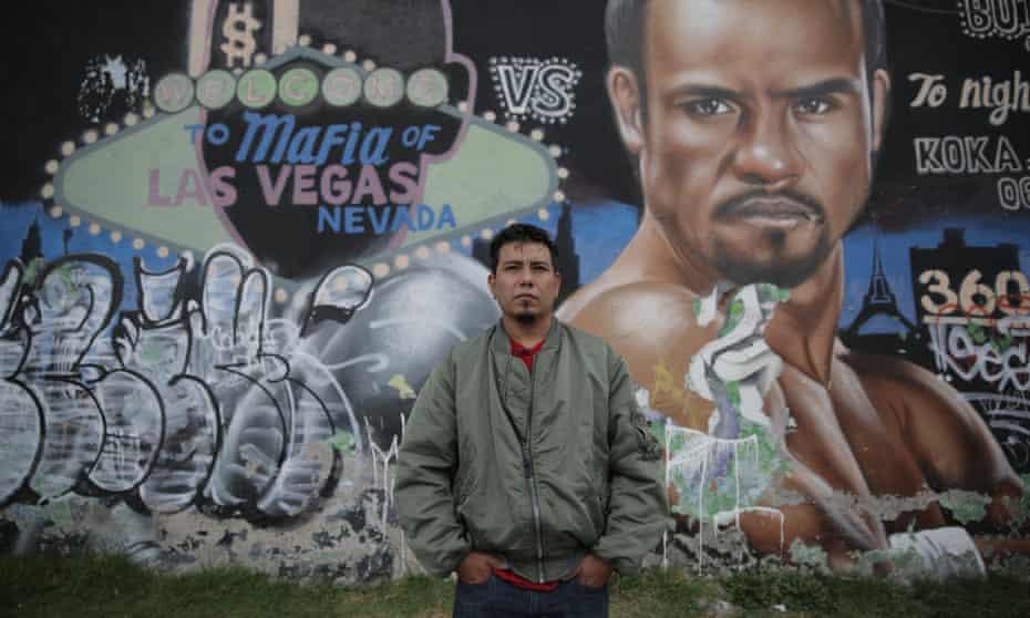 Koka Lep: 'Aunque no puedes comparar la sensación del grafiti ilegal, que siempre tiene una dosis de peligro, con lo que hago ahora es una satisfacción muy grande llevar la calle a terrenos que eran tan ajenos …'
