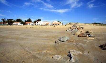 The wide, sandy beach at La Tranche sur Mer.