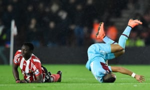 Wanyama takes Payet out and is dismissed.