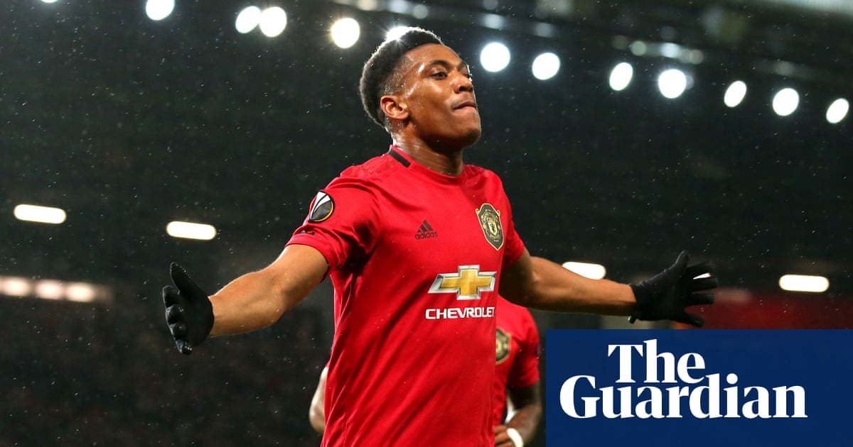 Manchester United reach last 32 after Anthony Martial strikes against Partizan