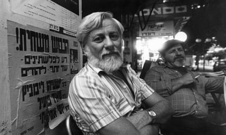 Uri Avnery in 1980, working as a journalist and publisher of the magazine HaOlam HaZeh.