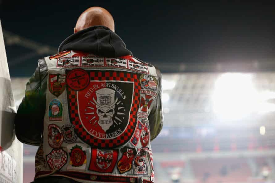 The week's haberdashery award goes to this Bayer Leverkusen fan.