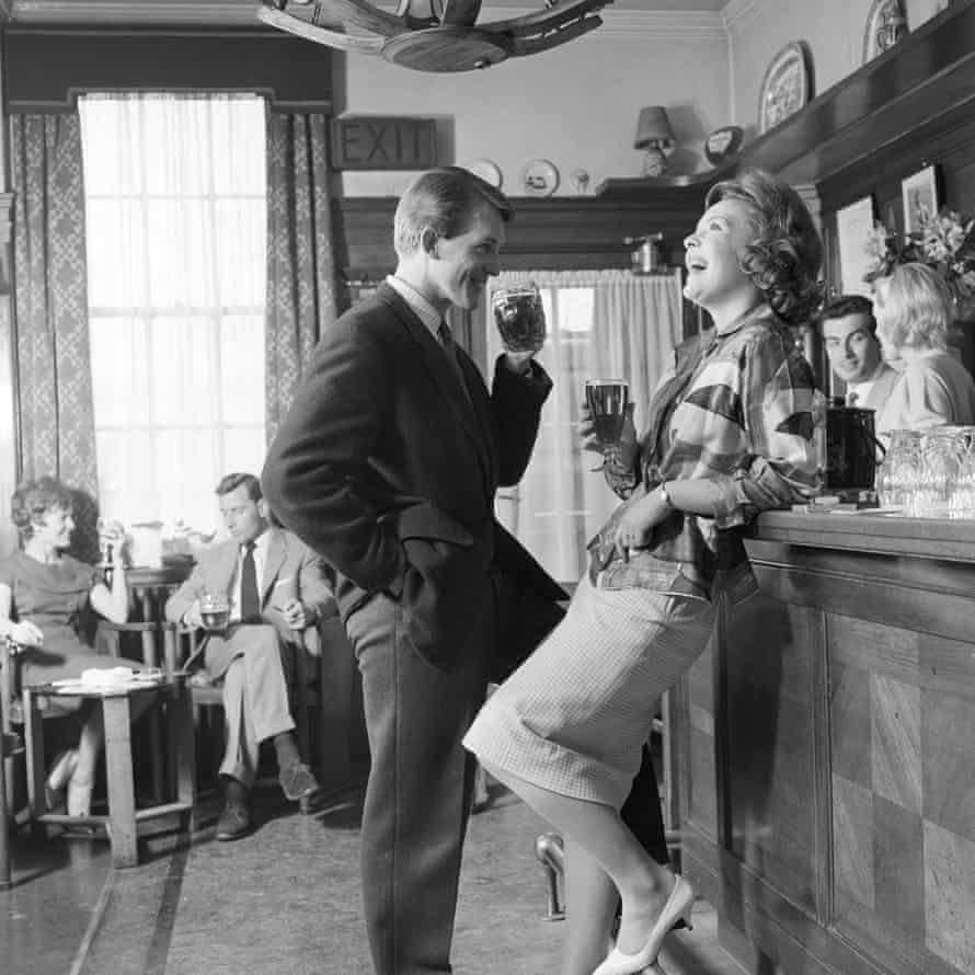 The Greyhound pub in Bromley, Kent, 1960.