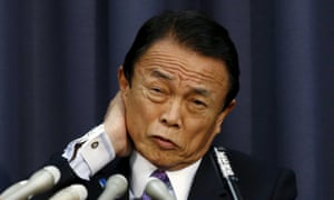Japan's Finance Minister Taro Aso has retracted praise for Adolf Hitler in which he said he had 'right motives'.