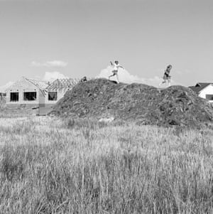 Spec housing and children on the veld at Parkrand, 1979