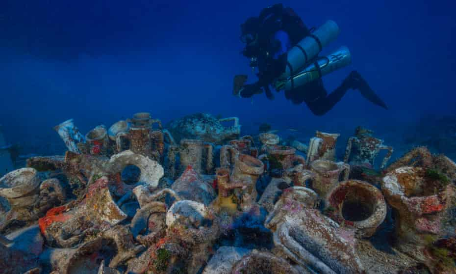 Since the wreck's discovery in 1900, salvage operations have hauled up stunning bronze and marble statues, ornate glass and pottery, gold jewellery, and the extraordinary Antikythera mechanism.