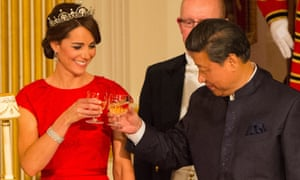 Then President Xi toasts with the Duchess of Cambridge to his right.