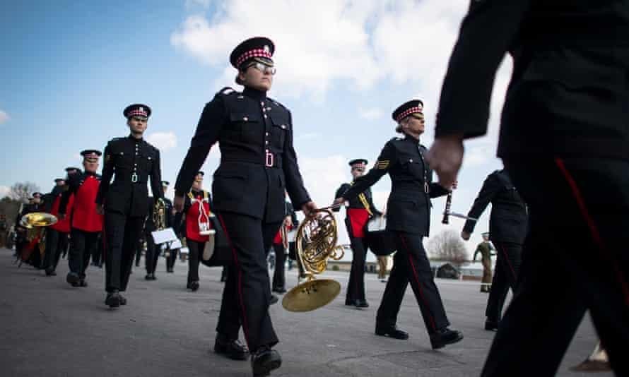 پرسنل نظامی برای تشییع جنازه دوک ادینبورگ تمرین می کنند.
