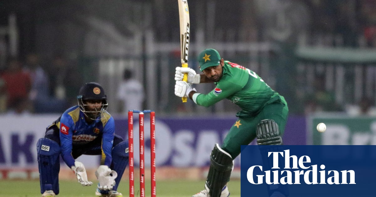 Test cricket returns to Pakistan for first time since 2009 terror attack