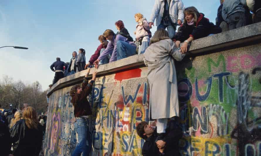 Berlin Wall climbing in 1989