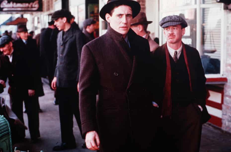 Byrne in Miller's Crossing, the Coen Brothers' 1990 neo-noir gangster film.